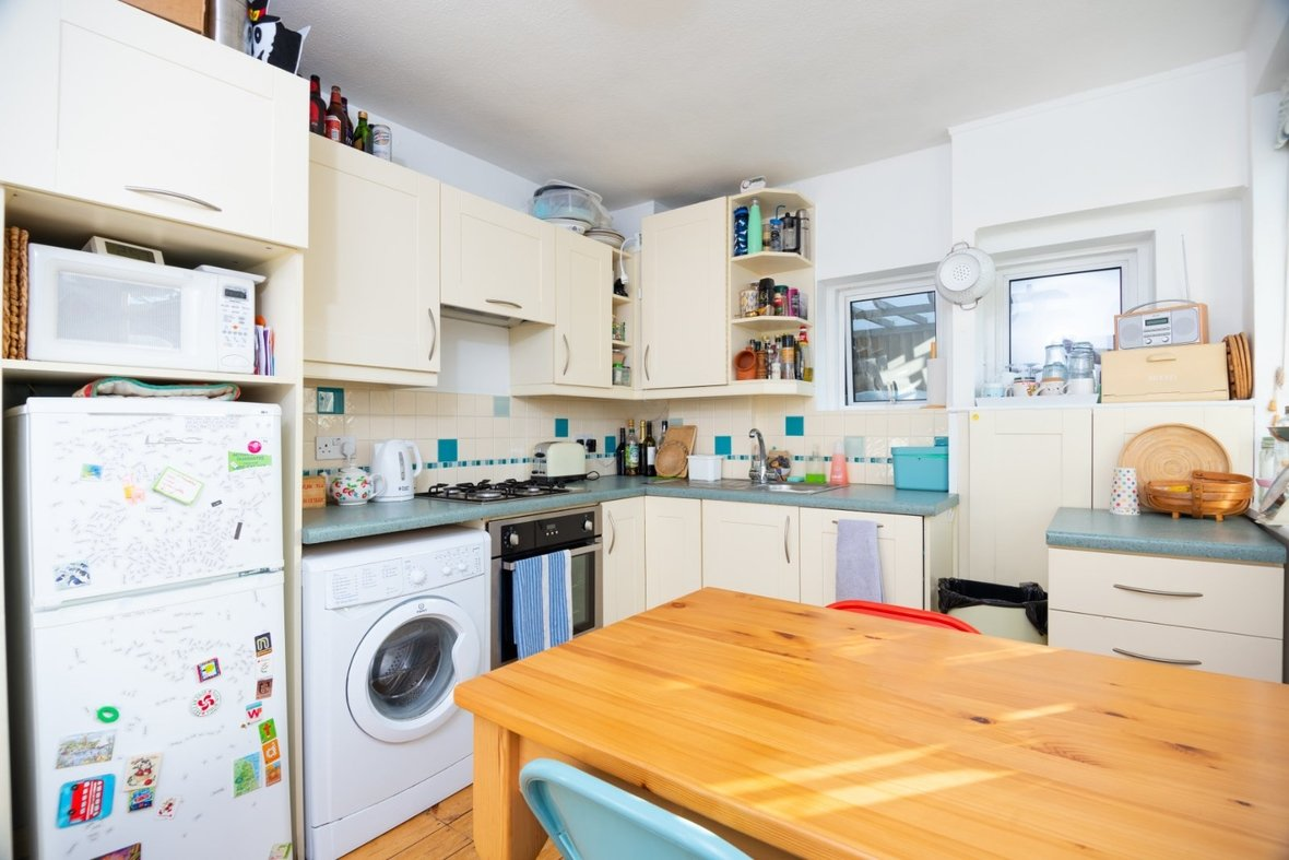 2 Bedroom Maisonette Sold Subject To Contract in Old London Road, St. Albans, Hertfordshire - View 5 - Collinson Hall