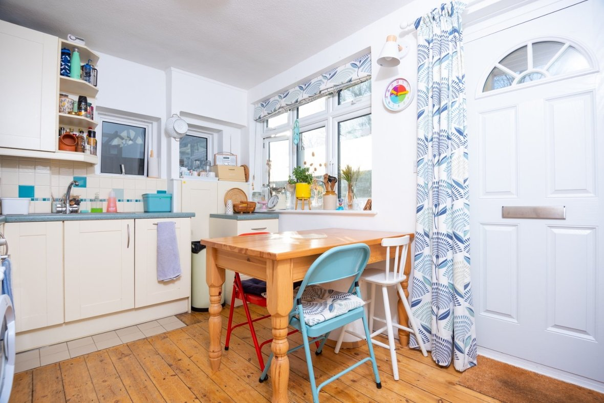 2 Bedroom Maisonette Sold Subject To Contract in Old London Road, St. Albans, Hertfordshire - View 4 - Collinson Hall
