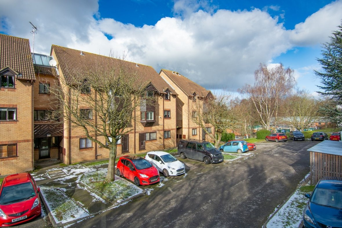 1 Bedroom Apartment Sold Subject To Contract in Hawkshill, Dellfield, St. Albans, Hertfordshire - View 17 - Collinson Hall
