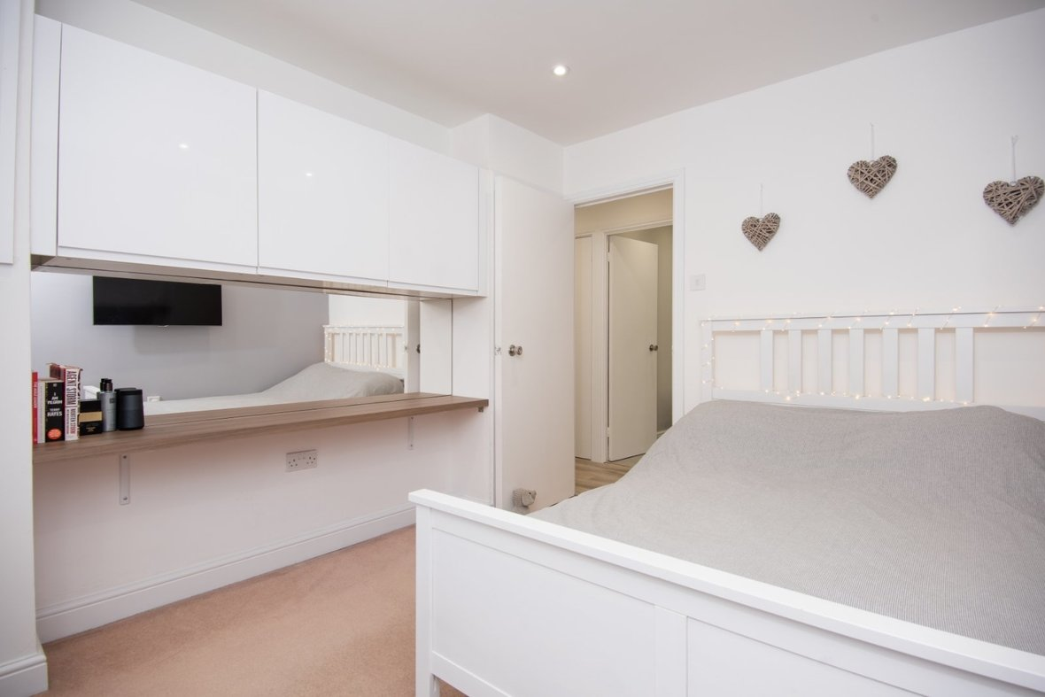 1 Bedroom Apartment Sold Subject To Contract in Hawkshill, Dellfield, St. Albans, Hertfordshire - View 6 - Collinson Hall