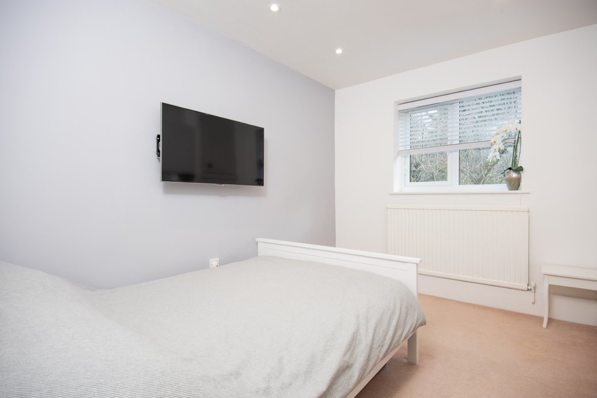 1 Bedroom Apartment Sold Subject To Contract in Hawkshill, Dellfield, St. Albans, Hertfordshire - View 7 - Collinson Hall