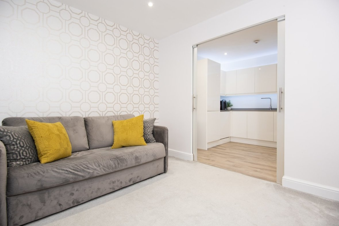1 Bedroom Apartment Sold Subject To Contract in Hawkshill, Dellfield, St. Albans, Hertfordshire - View 4 - Collinson Hall