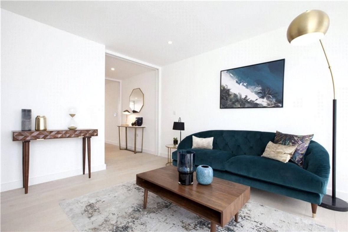 4 Bedroom House Reserved in Gabriel Square, St. Albans, Hertfordshire - View 8 - Collinson Hall