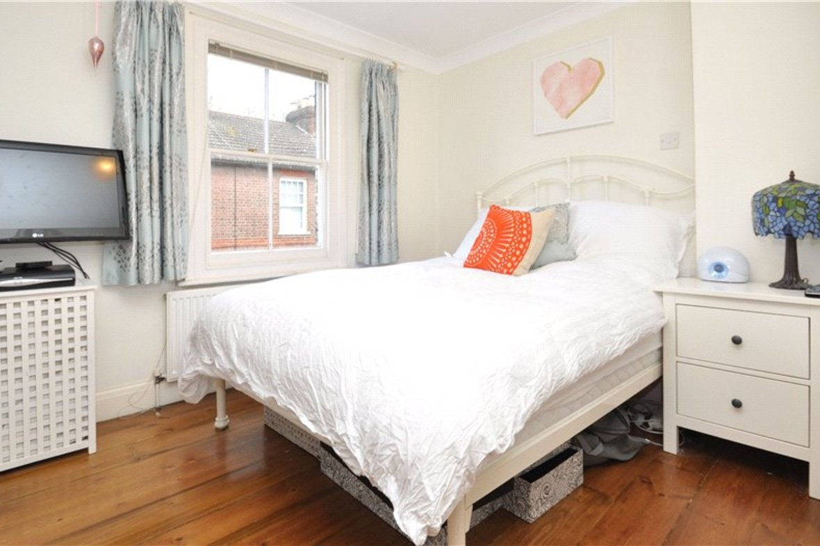 2 Bedrooms House Sold Subject To Contract in Alexandra Road, St. Albans, Hertfordshire - View 5 - Collinson Hall