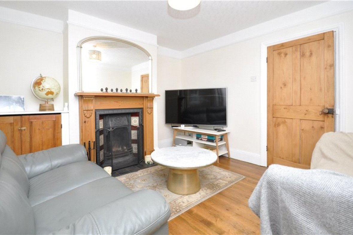 2 Bedrooms House Sold Subject To Contract in Alexandra Road, St. Albans, Hertfordshire - View 2 - Collinson Hall