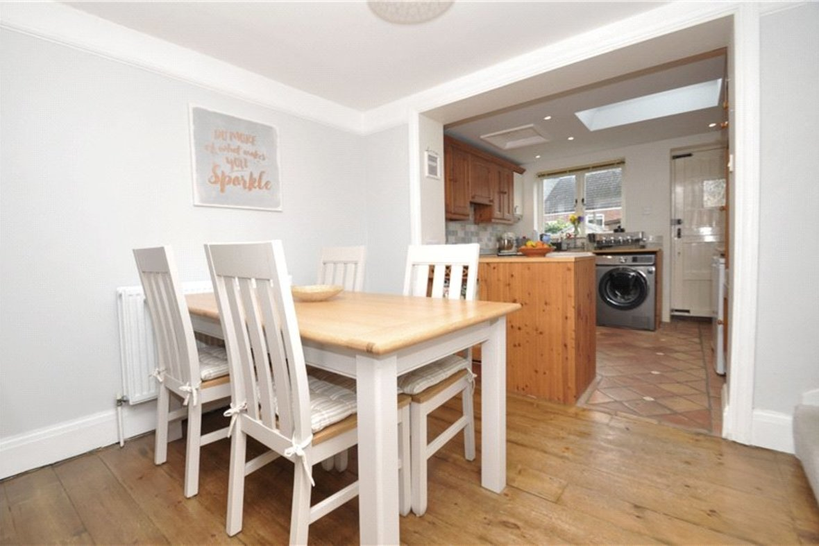 2 Bedrooms House Sold Subject To Contract in Alexandra Road, St. Albans, Hertfordshire - View 3 - Collinson Hall