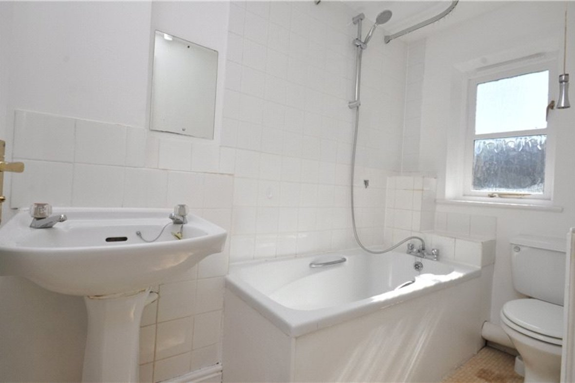 2 Bedrooms House For Sale in Grove Road, Harpenden, Hertfordshire - View 9 - Collinson Hall