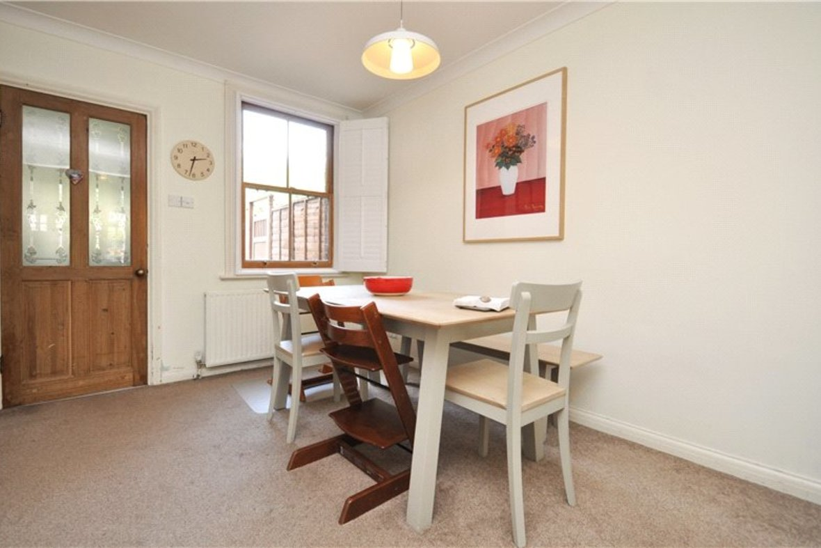 2 Bedrooms House For Sale in Branch Road, Park Street, St. Albans, Hertfordshire - View 7 - Collinson Hall