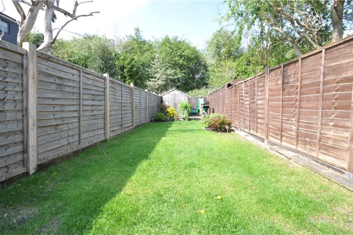 2 Bedrooms House For Sale in Branch Road, Park Street, St. Albans, Hertfordshire - View 3 - Collinson Hall