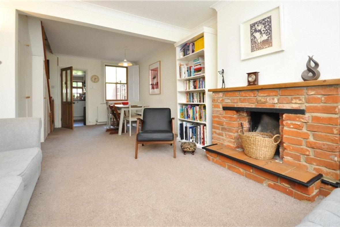 2 Bedrooms House For Sale in Branch Road, Park Street, St. Albans, Hertfordshire - View 5 - Collinson Hall
