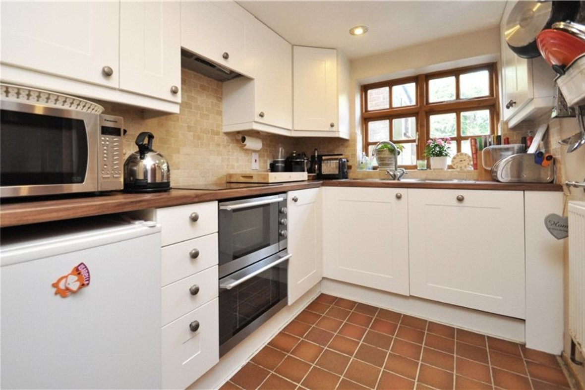 2 Bedrooms House For Sale in Branch Road, Park Street, St. Albans, Hertfordshire - View 4 - Collinson Hall