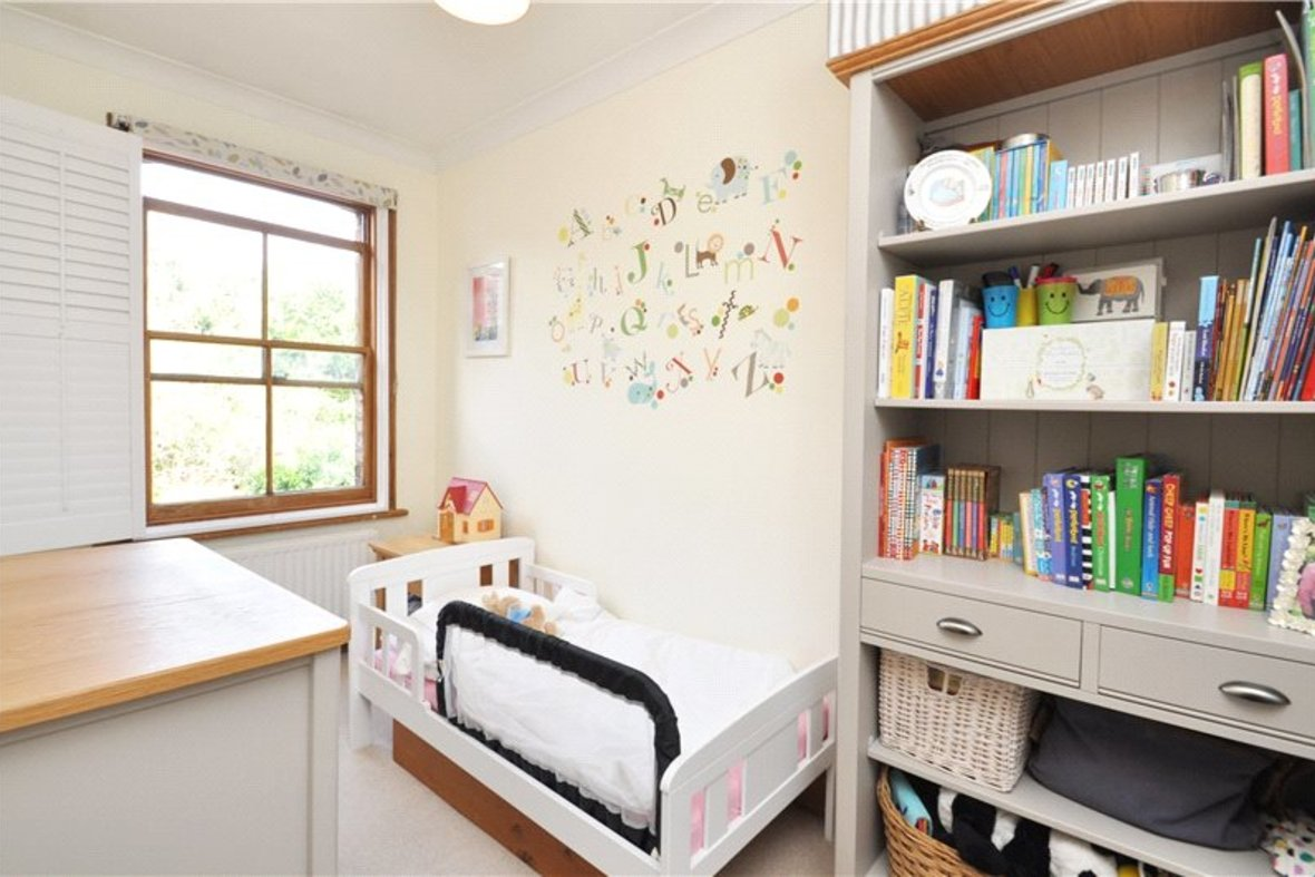 2 Bedrooms House For Sale in Branch Road, Park Street, St. Albans, Hertfordshire - View 8 - Collinson Hall