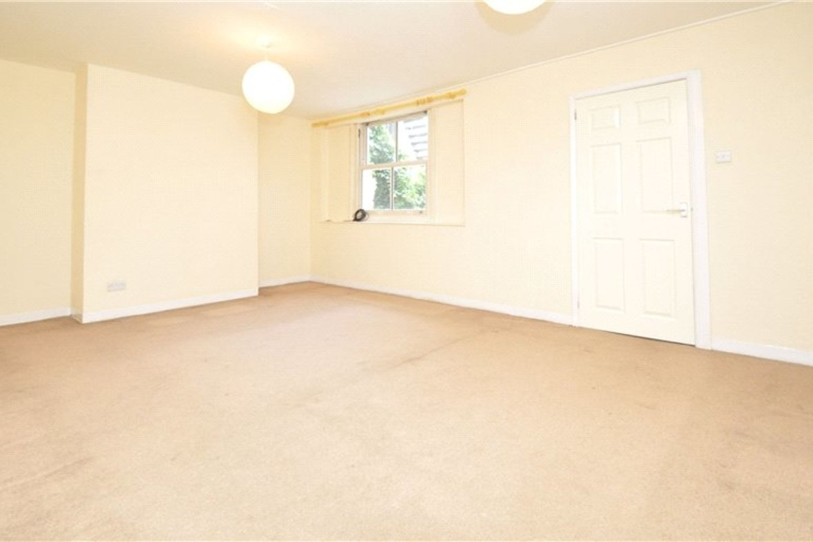 1 Bedroom Apartment Sold Subject To Contract in Alma Road, St. Albans, Hertfordshire - View 2 - Collinson Hall