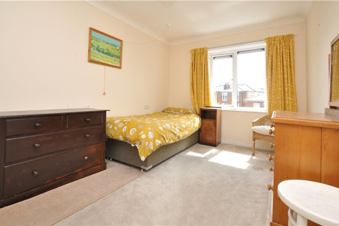 1 Bedroom Apartment For Sale in Davis Court, Marlborough Road, St. Albans, Hertfordshire - View 5 - Collinson Hall