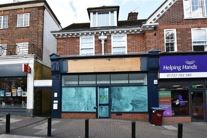 Commercial property Let in London Road, St. Albans, Hertfordshire - Collinson Hall