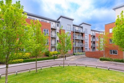 1 Bedroom Apartment Let in Serra House, Charrington Place, St. Albans, Hertfordshire - Collinson Hall