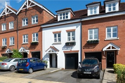 3 Bedroom House Sold Subject To Contract in Pegasus Place, St. Albans, Hertfordshire - Collinson Hall
