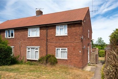 2 Bedrooms Maisonette For Sale in Wallingford Walk, St. Albans, Hertfordshire - Collinson Hall