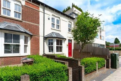 3 Bedroom House Sold Subject To Contract in London Road, St. Albans, Hertfordshire - Collinson Hall