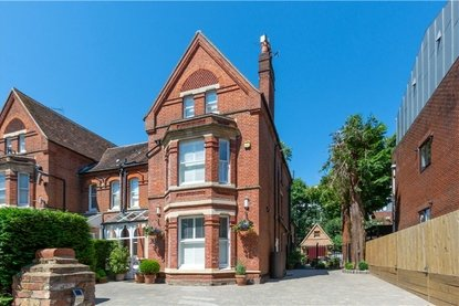 7 Bedroom House Sold Subject To Contract in Upper Lattimore Road, St Albans - Collinson Hall