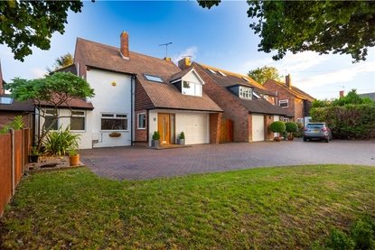 4 Bedroom House Sold Subject To Contract in Sandpit Lane, St. Albans, Hertfordshire - Collinson Hall