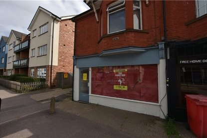 Retail Let in Hatfield Road, St. Albans, Hertfordshire - Collinson Hall