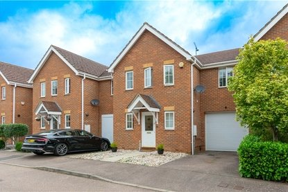 3 Bedroom House Sold Subject To Contract in Marconi Way, St. Albans, Hertfordshire - Collinson Hall