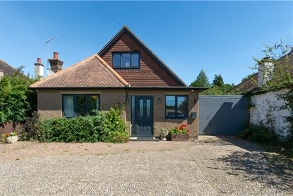 5 Bedroom House For Sale in Colney Heath Lane, St. Albans, Hertfordshire - Collinson Hall