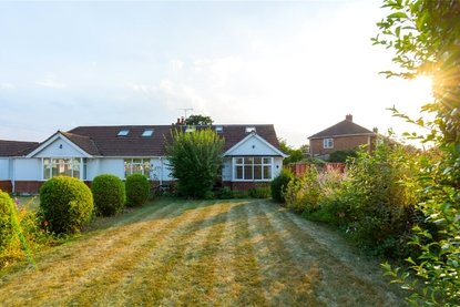 4 Bedroom Bungalow Sold Subject To Contract in Cuckmans Drive, St. Albans, Hertfordshire - Collinson Hall