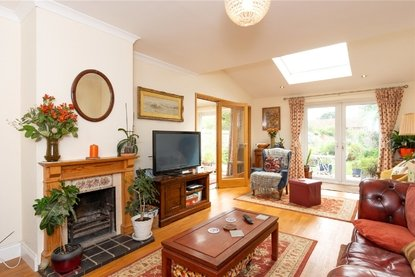 3 Bedroom House For Sale in Birchwood Way, Park Street, St. Albans - Collinson Hall