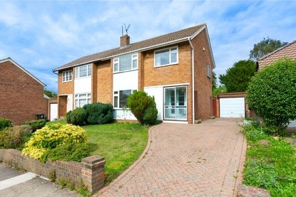 3 Bedroom House Sold Subject To Contract in Robert Avenue, St. Albans, Hertfordshire - Collinson Hall