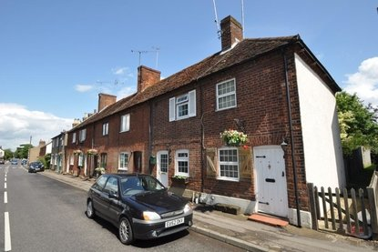 2 Bedroom House To Let in High Street, Sandridge, St. Albans, Hertfordshire - Collinson Hall