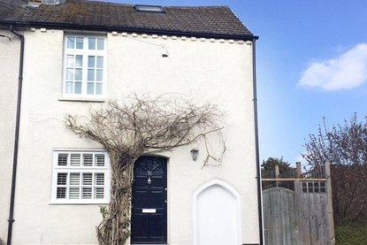3 Bedroom House For Sale in Old London Road, St. Albans - Collinson Hall