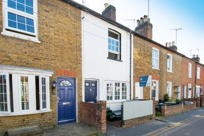 2 Bedroom House For Sale in Alexandra Road, St Albans - Collinson Hall