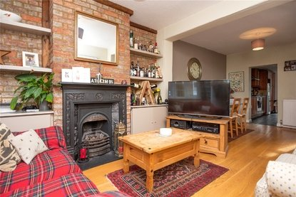 2 Bedroom House For Sale in Upper Heath Road, St. Albans - Collinson Hall