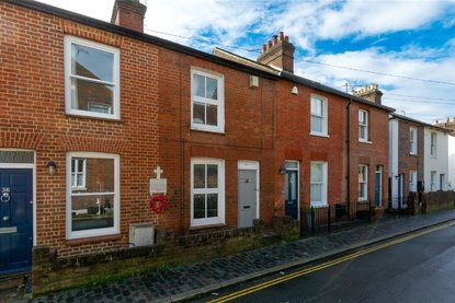 2 Bedroom House For Sale in Albert Street, St. Albans - Collinson Hall