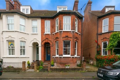 3 Bedroom Maisonette For Sale in Selby Avenue, St. Albans - Collinson Hall