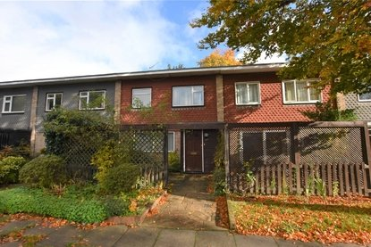 3 Bedroom House To Let in Meadowcroft, St. Albans - Collinson Hall