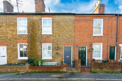 3 Bedroom House For Sale in Alexandra Road, St. Albans - Collinson Hall