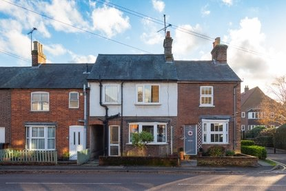 3 Bedroom House For Sale in Grove Road, Harpenden - Collinson Hall