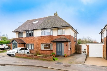 3 Bedroom House Sold Subject To Contract in Hammers Gate, St. Albans - Collinson Hall