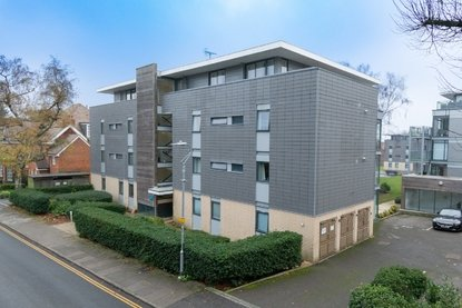 2 Bedroom House For Sale in Newsom Place, Manor Road, St. Albans - Collinson Hall