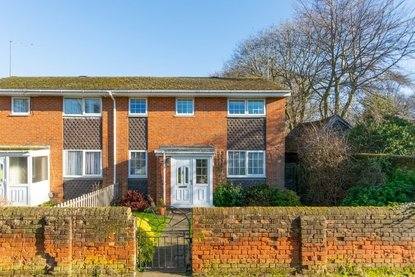 4 Bedroom House For Sale in Watling Street, St. Albans - Collinson Hall