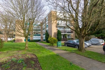 2 Bedroom Apartment New Instruction in Abbots Park, St. Albans - Collinson Hall