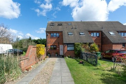 4 Bedroom House New Instruction in Buttermere Close, St. Albans - Collinson Hall