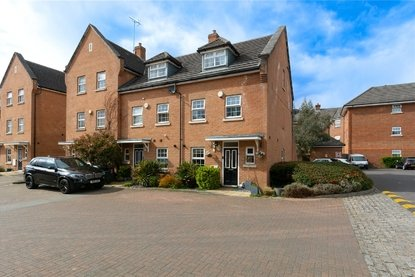 4 Bedroom House New Instruction in Frederick Place, Curo Park, Frogmore, St. Albans - Collinson Hall