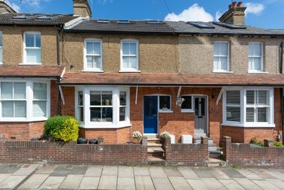 3 Bedroom House For Sale in Hart Road, St. Albans - Collinson Hall