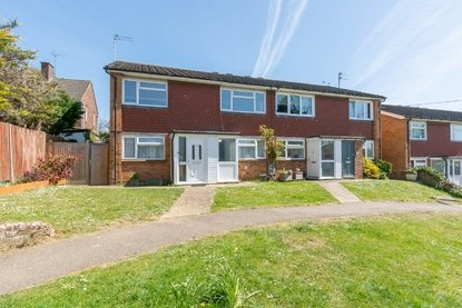 2 Bedroom Maisonette For Sale in Tennyson Road, St. Albans - Collinson Hall
