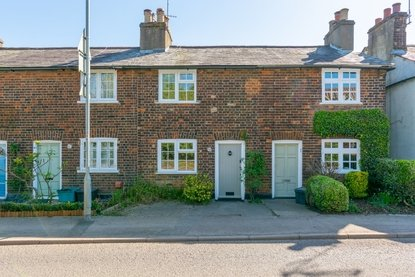 2 Bedroom House Let in The Hill, Wheathampstead, St. Albans, Hertfordshire - Collinson Hall