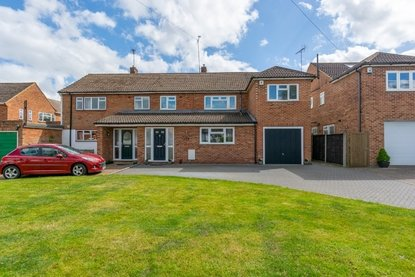 5 Bedroom House New Instruction in Sandpit Lane, St. Albans - Collinson Hall